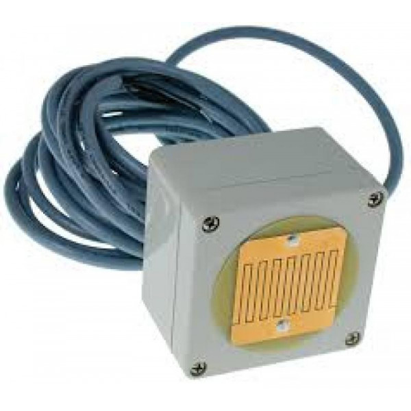 Sensor de lluvia con calefactor integrado